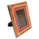 Porta-Retrato Pompom Vermelho em Madeira - 24x19 cm