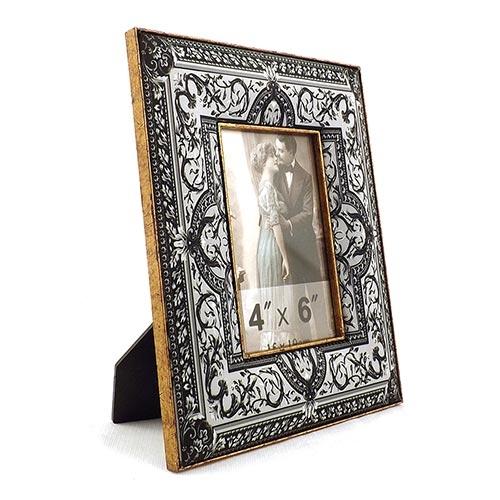 Porta-Retrato Seda Arabescos Oldway Branco e Preto em Metal e Madeira - 24x18 cm