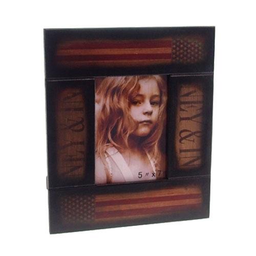 Porta Retrato USA em Madeira - 30x26 cm