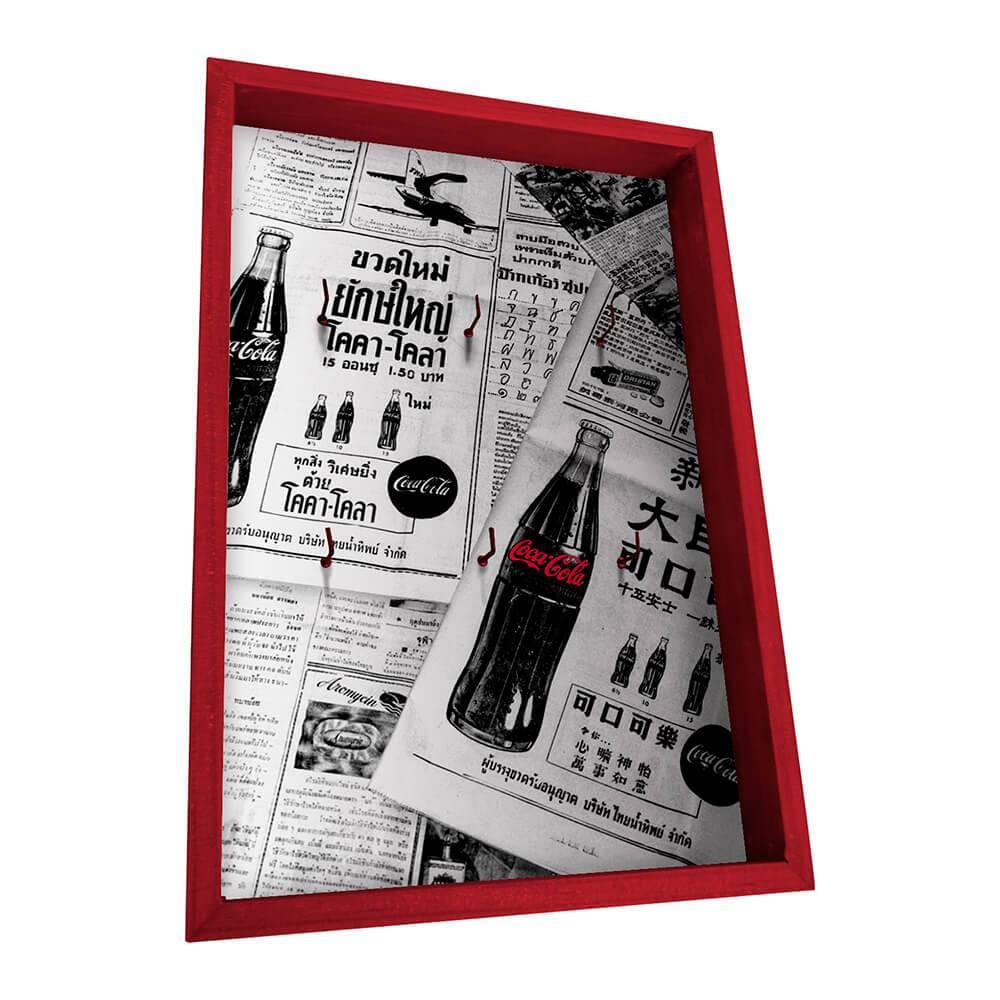 Porta-Chaves 6 Ganchos Coca-Cola Newspaper Branco e Preto em Madeira - Urban - 31x21 cm