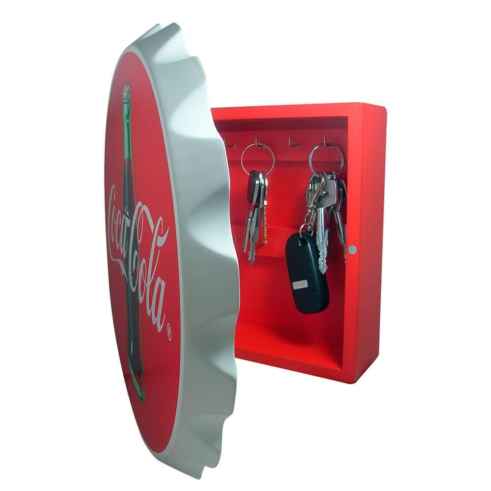 Porta-Chaves 8 Ganchos Coca-Cola Tampinha Vermelho e Preto em Madeira - Urban - 30x30 cm