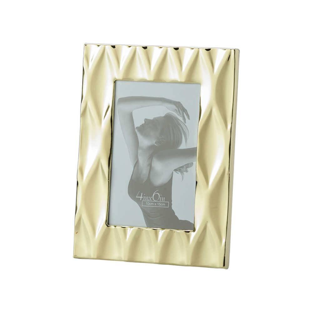 Porta-Retrato Diamond Dourado em Metal para Foto 15x20 cm - Lyor Classic - 25x20cm