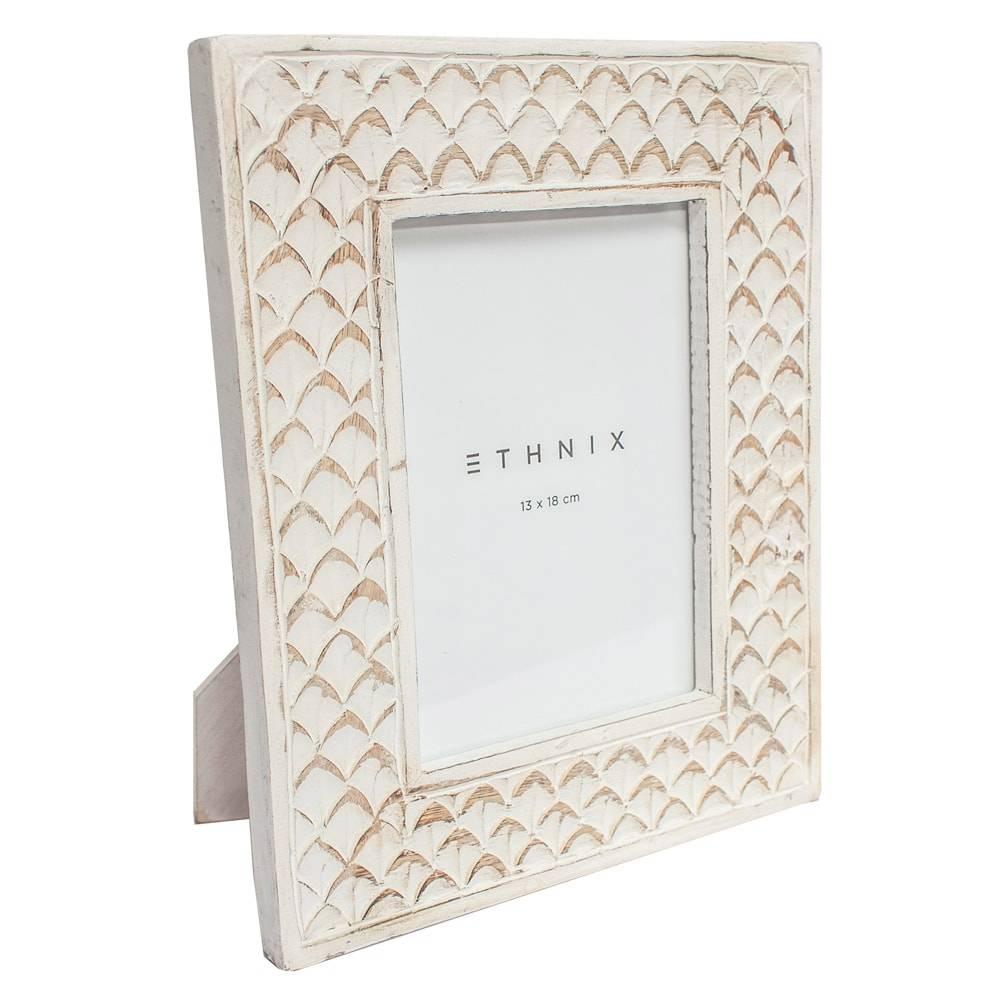 Porta-Retrato de Mesa Fantine - Foto 13x18 cm - Branco em Madeira - 25x20 cm