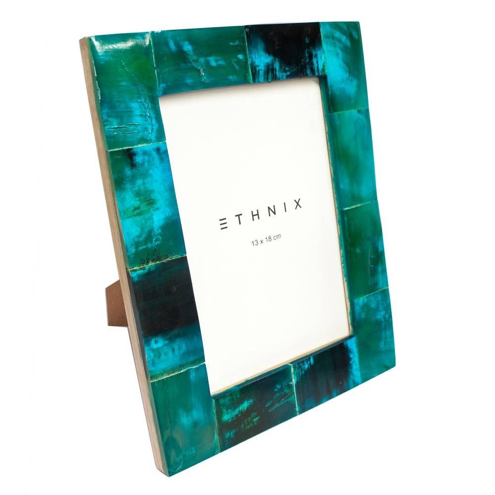 Porta-Retrato de Mesa Marchet Verde - Foto 13x18 cm - em Madeira e Osso - 23x18 cm
