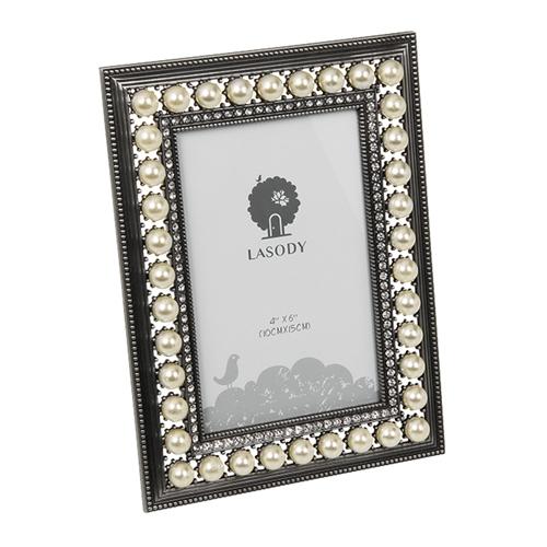 Porta-Retrato Pérolas Retangular Branco e Prata em Metal - 21x16 cm