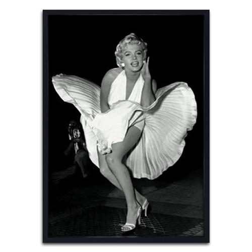 Quadro 3D Marilyn Dress Flying em Madeira - 70x50 cm