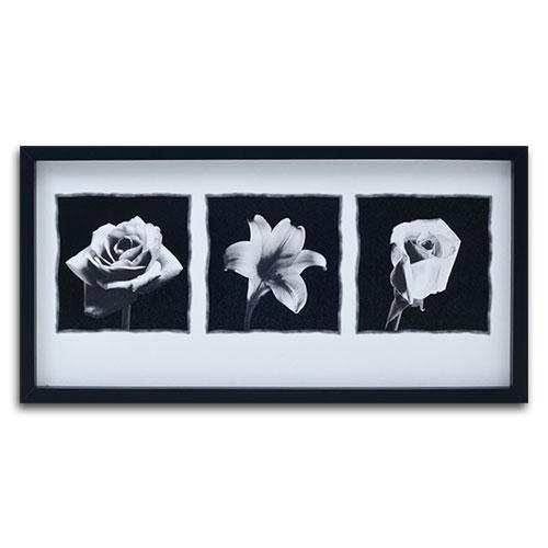 Quadro Decorativo Flores Preto e Branco em Madeira - 74x37 cm