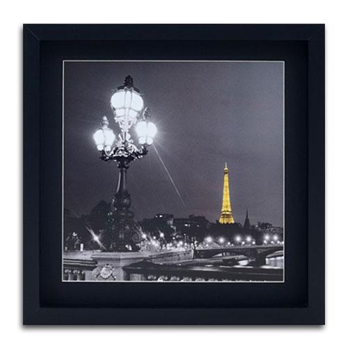 Quadro Decorativo Lustre e Torre Eiffel em Madeira - 40x40 cm