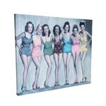 Quadro Meninas Vintage em Madeira e Estampa em Canvas - 80x60 cm
