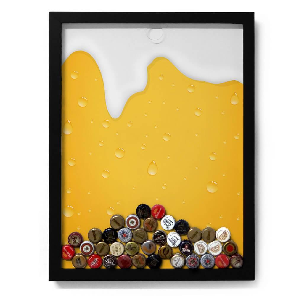Quadro para Tampinhas Cerveja Escorrendo Fundo Amarelo em Madeira - 49x37 cm