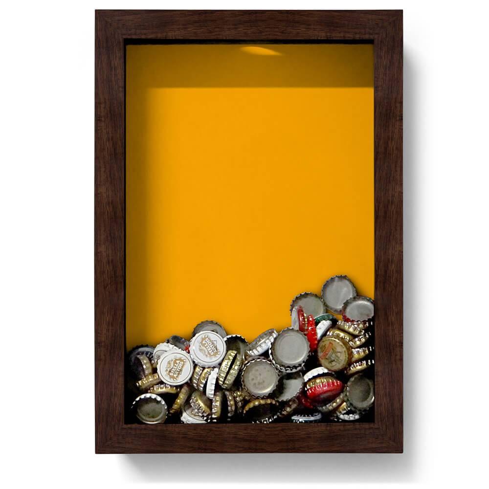 Quadro para Tampinhas Fundo Amarelo em Madeira - 32x22 cm