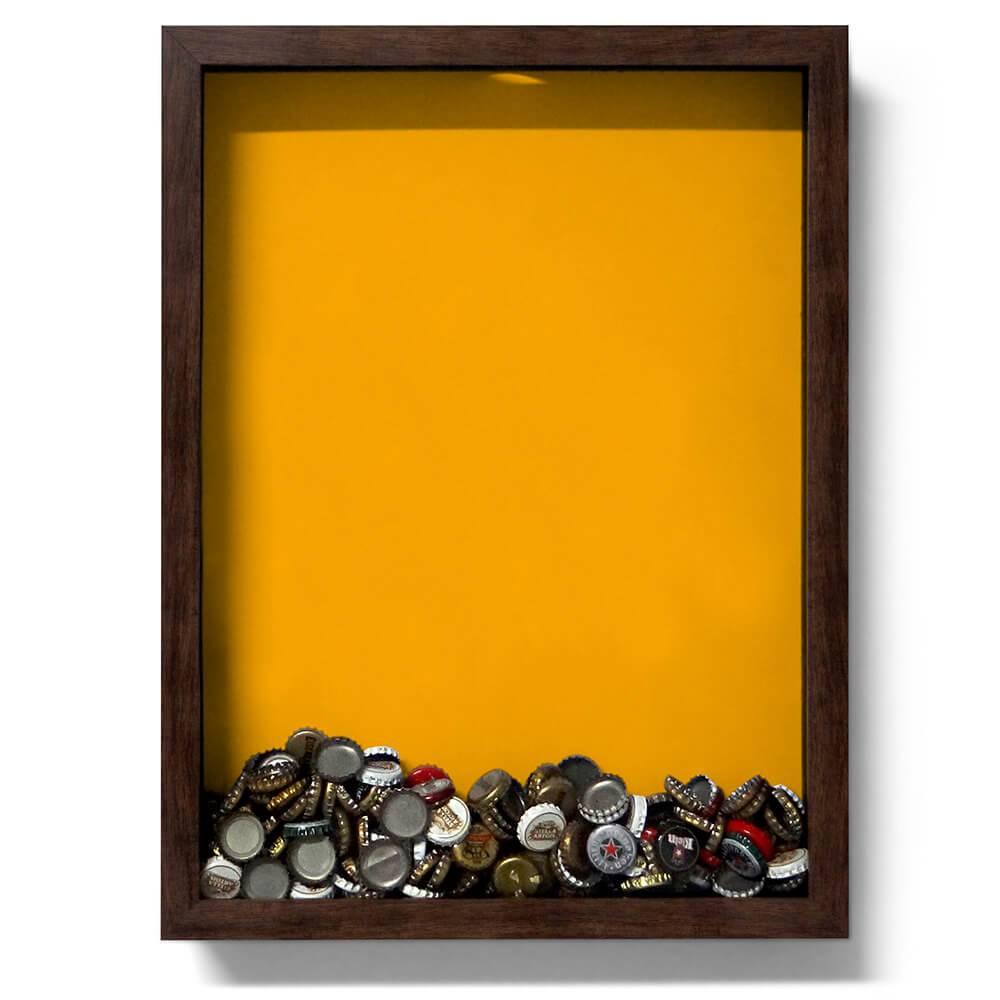 Quadro para Tampinhas Fundo Amarelo em Madeira - 47x35 cm