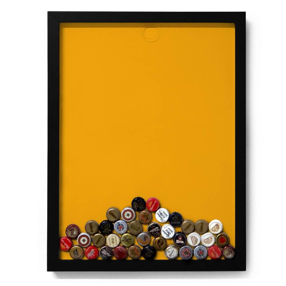 Quadro para Tampinhas Fundo Amarelo em Madeira - 49x37 cm