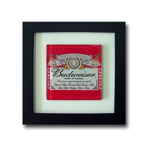 Quadro de Vidro Budweiser King of Beers com Moldura em Madeira - 20x20 cm