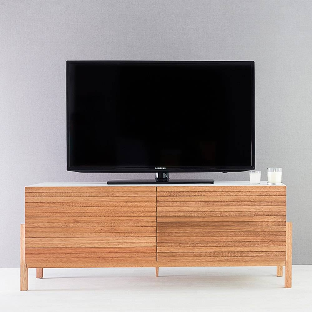 Rack para TV Eric 2 Portas Branco e Jatobá em MDF - 126x48,5 cm
