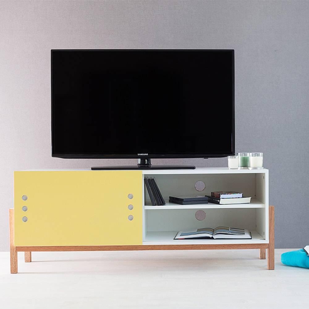 Rack para TV Eric Branco com Porta de Correr Amarela em MDF - 126x48,5 cm