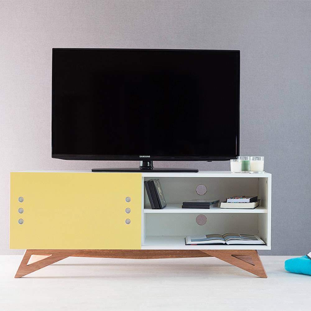Rack para TV Freddie Compact Branco com Porta de Correr Amarela em MDF - 120x48,5 cm