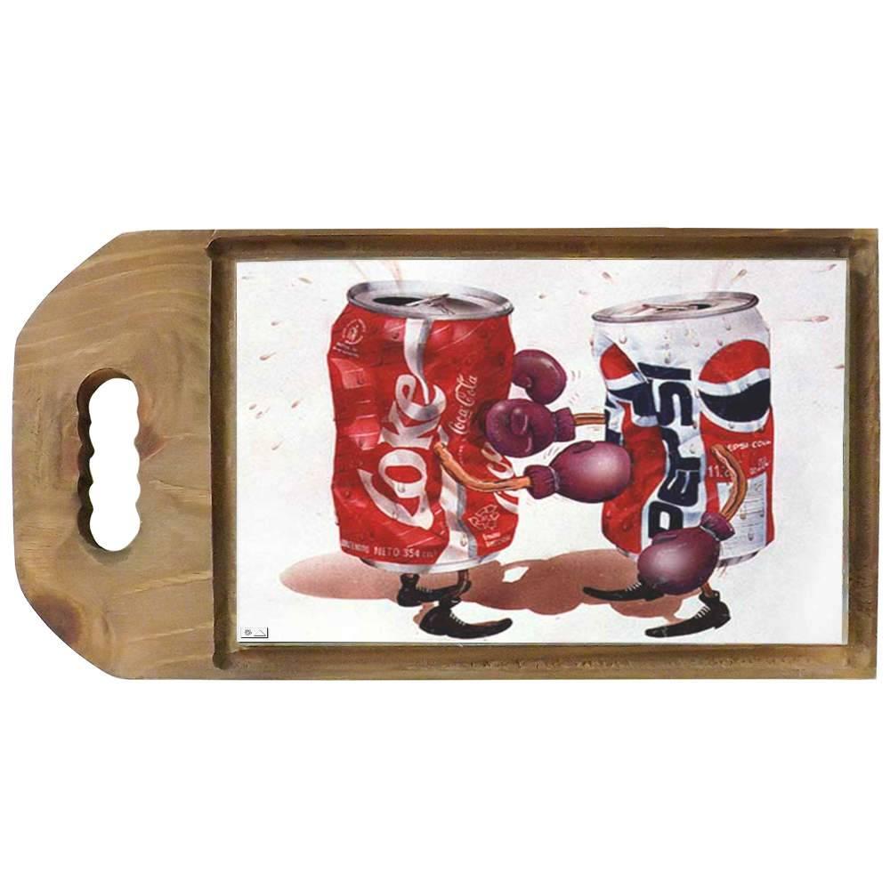 Tábua para Corte Batalha Coca-Cola e Pepsi em Madeira - 42,5x23 cm