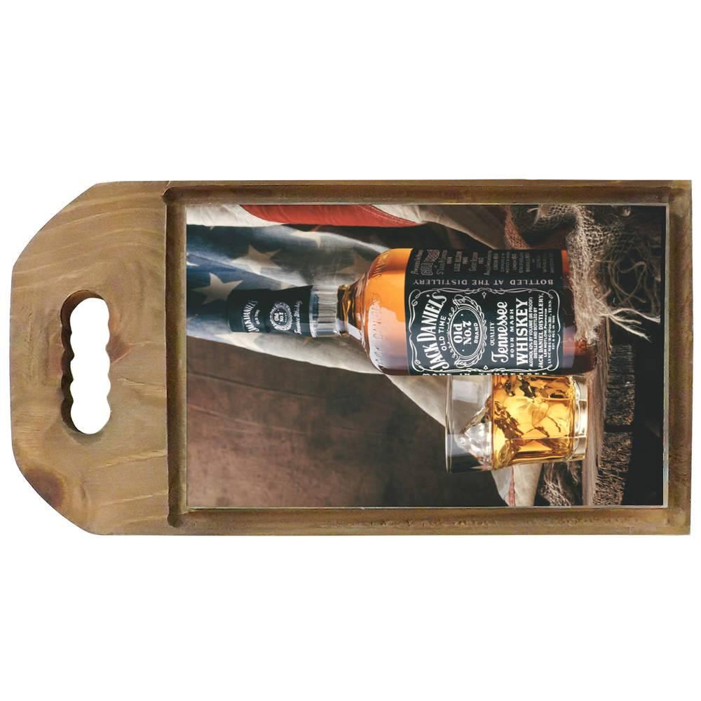 Tábua para Corte Garrafa de Jack Daniels em Madeira - 42,5x23 cm
