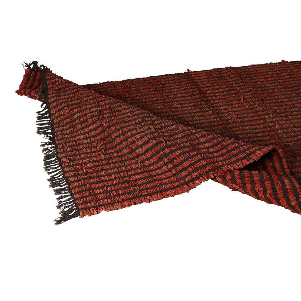 Tapete Médio Drama Vermelho e Marrom em Algodão com Tiras de Couro - 250x160 cm