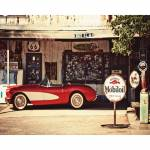 Tela Red and White Car in a Gas Station Colorido em MDF - Urban - 50x40 cm