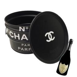 Tonel para Bar Chanel Preto - 40x30 cm R$ 1.099,95 R$ 749,95 10x de R$ 75,00 sem juros