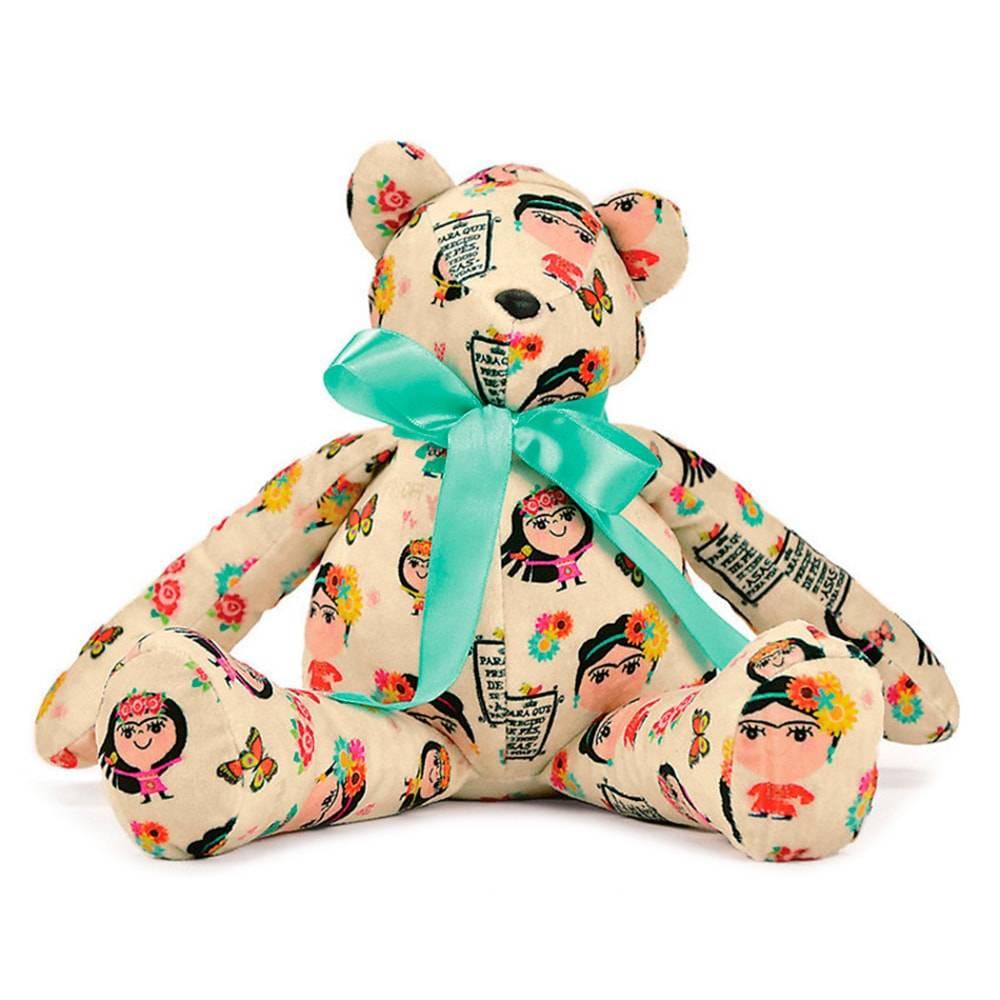 Urso Frida - Carpe Diem - Bege Antialérgico em Plush - 36x17 cm