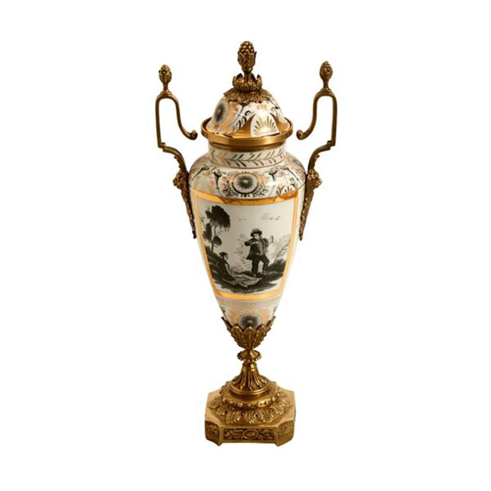 Vaso Estampado Longilíneo com Detalhe Dourado em Porcelana - 39x17 cm