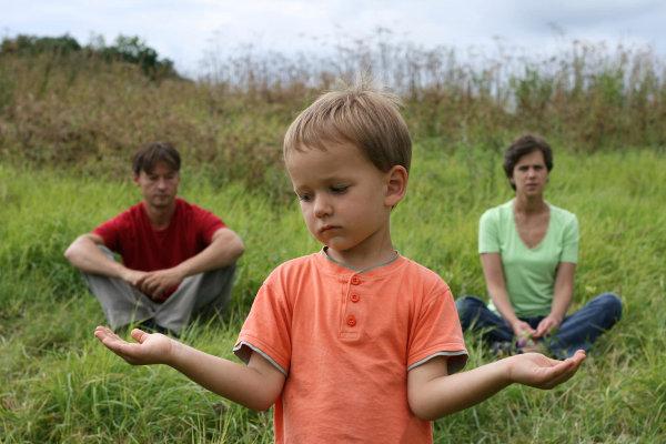 Debes mantener a los niños alejados de los problemas