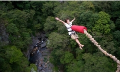Bungee jumping + video con GoPro hasta 58% off - Groupon