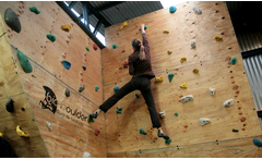 Ticket diario o clases de escalada hasta 57% off - Groupon