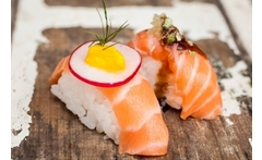 Tabla de sushi all salmón - Groupon