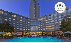 Desde $89.000 por 1 o 2 noches para dos + desayuno + welcome drink en Sheraton Santiago Hotel And Convention Center - Groupon