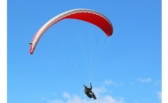 Parapente para 1 o 2 + video + canopy + piscina natural hasta 36% off - Groupon