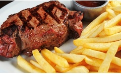 Cena o almuerzo Steak House: entrada + plato + postre + bebida para 2 o 4 en Runnies Grill and Coffee - Groupon
