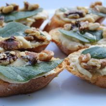 Bruschetta with White Beans and Walnuts