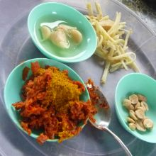 Red Curry Paste (Nam Prik Gaeng Ped)