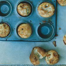 Panino Moribido di Formaggio  --  Cheese Puffs  (Popovers)