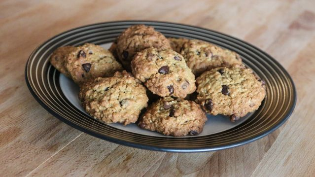 Nestle Toll House Quaker Oats Oatmeal Chocolate Chip Cookies From A