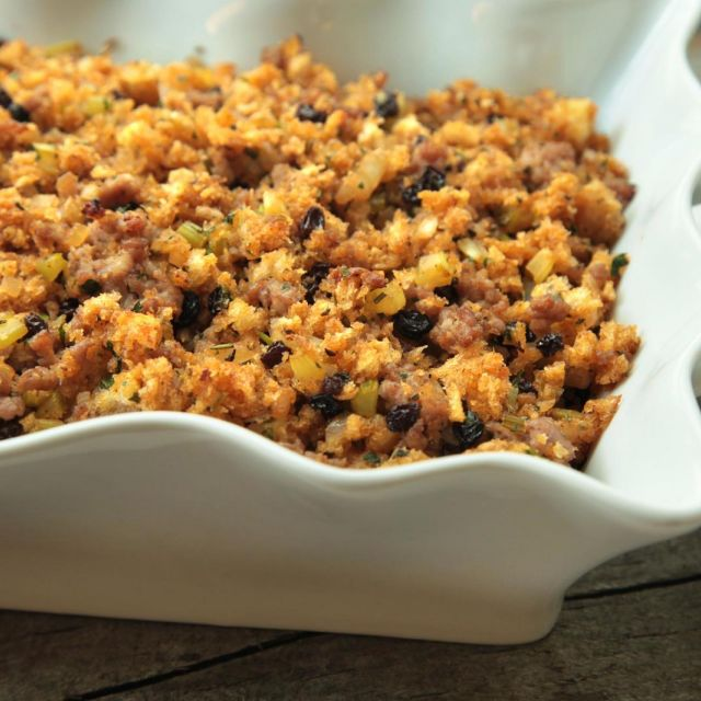 Sausage-Currant Stuffing