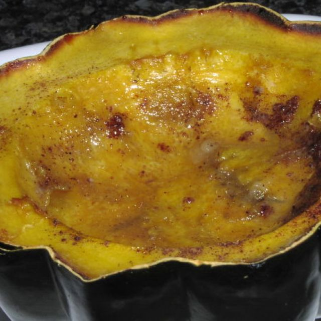 Baked Acorn Squash with Spicy Maple Syrup