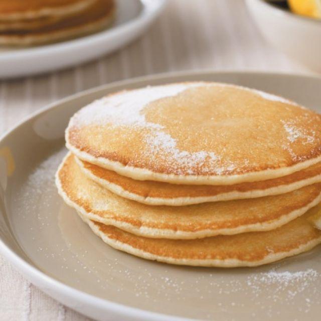 Basic Pancakes with Lemon and Sugar