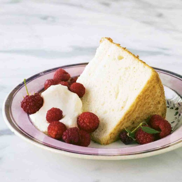 Classic Angel Food Cake