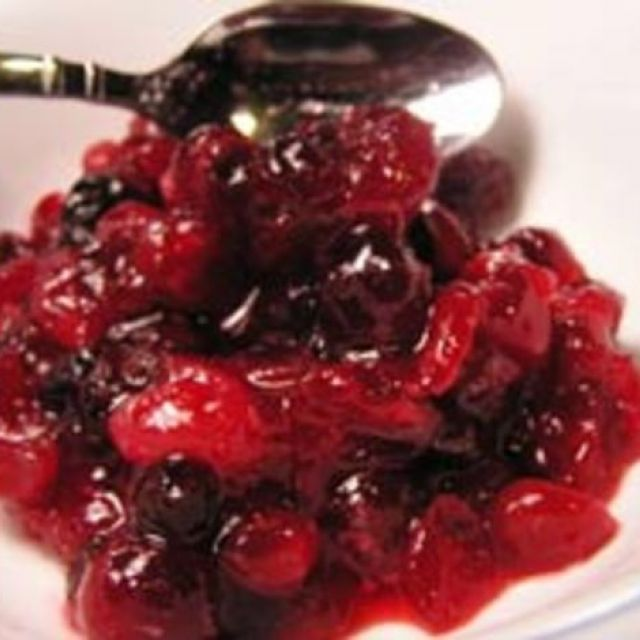 Cranberry Sauce with Champagne and Currants