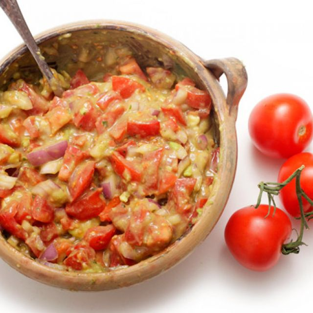 Guacamole with Lots of Tomato
