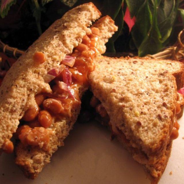 Linda's Bean and Mayonnaise Sandwich (Sandwiches)