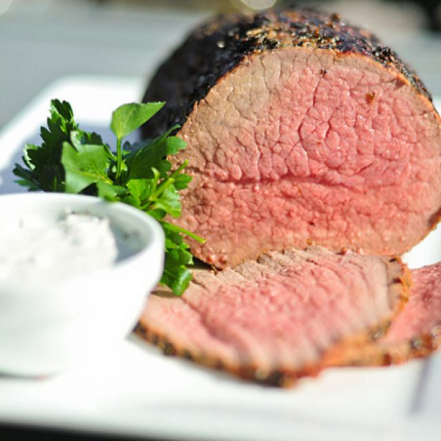 Grilled Roast Beef with Horseradish Cream Sauce