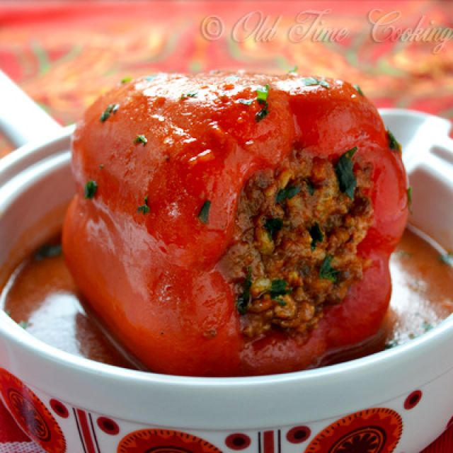Stuffed Bell Pepper with Ground Beef and Rice
