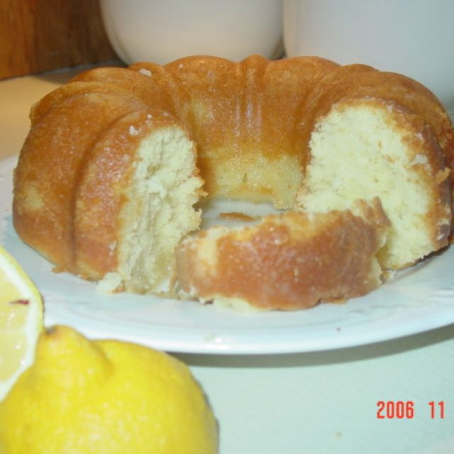 Rich Lemon Cake