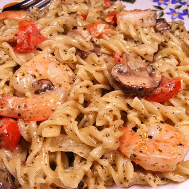 Shrimp with Pesto Cream